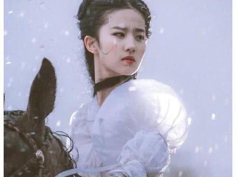 为什么《神雕侠侣》删了刘亦菲雨中骑马的戏?难理解演员的辛苦