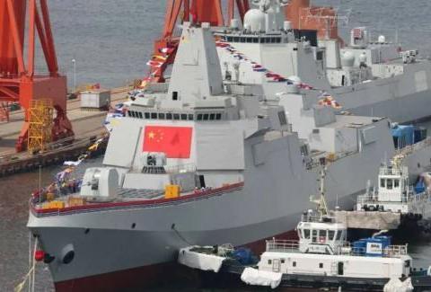 055级万吨大驱,吨位比美国巡洋舰还大,为啥还叫驱逐舰