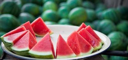 冬季女性减肥,尽量少吃3种水果,吃的越多胖的越快