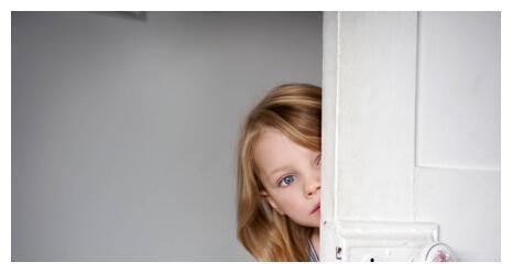 别让孩子太懂事,孩子总不愿意麻烦别人,父母要注意其人格危险性
