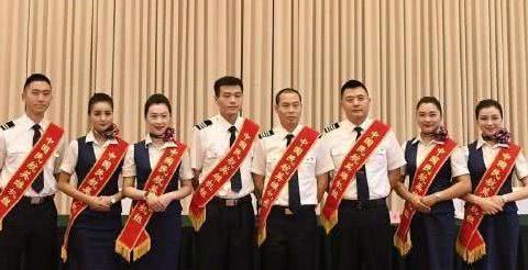 中国机长听张涵予的声音是一种惬意,看袁泉的表演是一种享受