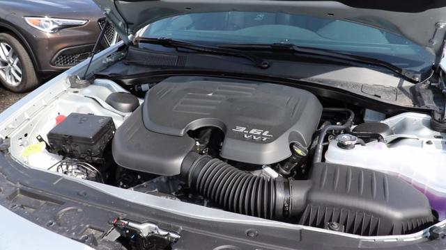 纯进口冷门品牌,比A6还大却比A4还便宜,豪华属性加持