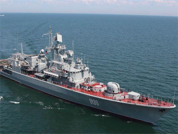军舰刚出港口就倒戈,军港升起他国国旗,24730平方千米领土丧失