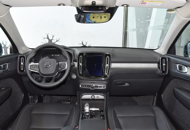 豪华品牌掀起价格战,不到30万的四驱SUV怎么选?