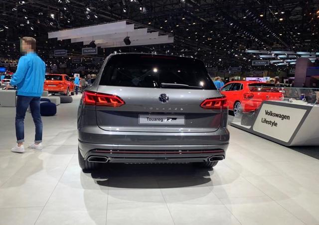 这才是大众最帅的SUV,深灰色金属漆,运动套件,动力超奥迪Q7