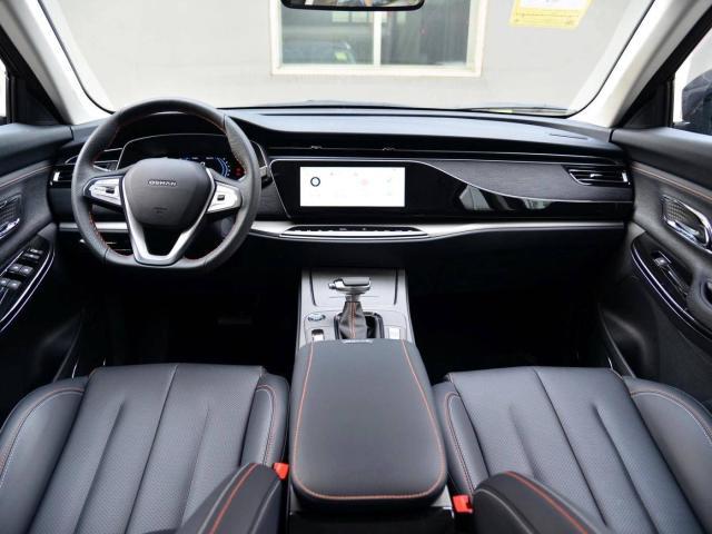 """长安又出""""狠货""""!这SUV配同级最强马力,油耗仅7.4L"""