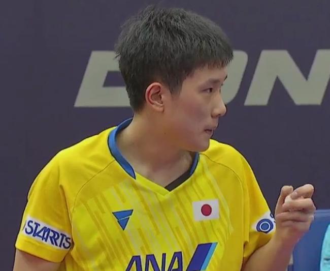 止步16强!张本智和3-4惜败前世界第1,决胜局崩盘,赛后沮丧离场