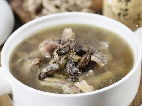 秋冬不可辜负的美食,金蝉花炖老鸭汤,一口鲜香入喉,全家都爱