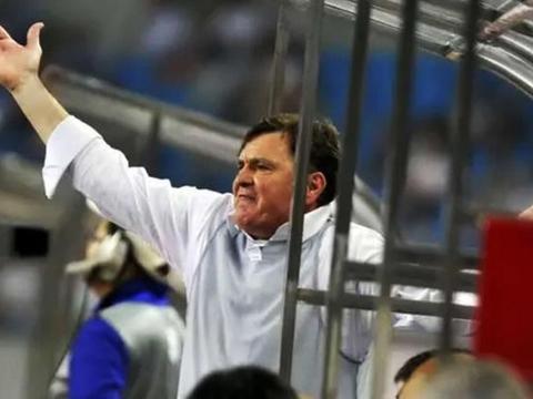 中国足球到底为何落后?里皮曼萨诺和佩兰都提到1点 贝尼特斯更绝