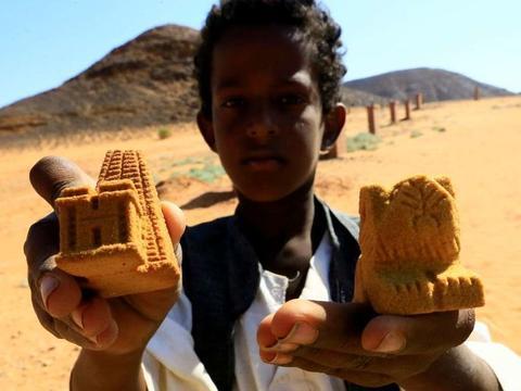 神秘之旅:有小金字塔之称的苏丹金字塔群,您想去看看吗?
