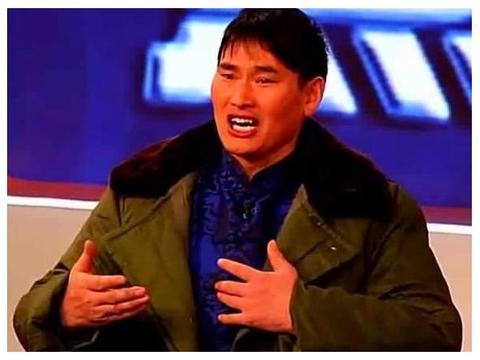 朱之文频受村民骚扰,为啥不搬到城里住?这才是大衣哥的聪明之处