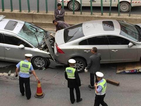 出车祸后,保险公司最想听的三句话,内行人:都是拒赔的理由