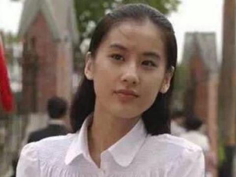 """黄圣依不再是""""玉女""""了,看到她泳装照片"""