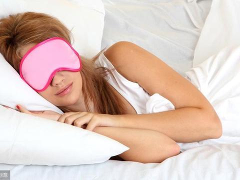 睡眠不足之人,常吃6种水果,坚持7件事,快来看你每天睡对了吗?