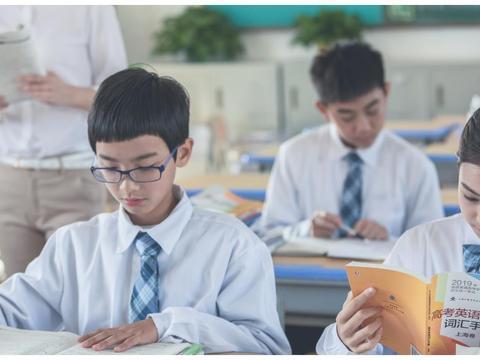 免试入学新加坡重点中学,普通的12岁女孩到底是怎么做到的?