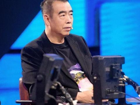 陈凯歌选演员多大胆?让潘长江穿古装,还要长发飘飘表情妩媚