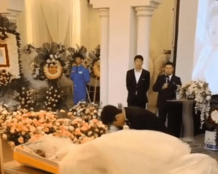 大连新娘因癌症去世!在殡仪馆办完婚礼办葬礼!高颜值让人唏嘘!