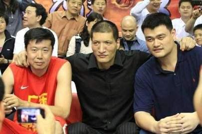 他是篮球天才,身价千万,娶大10岁二婚妻子,31岁继女成CEO