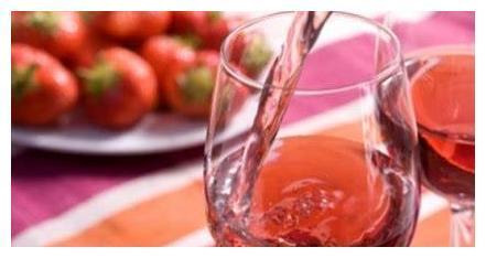 心理测试:选择一杯你最想喝的葡萄酒,看你今年有怎样的好事!