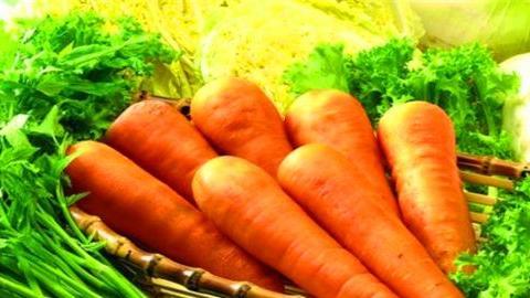 女性不想黄脸婆,推荐4种食物,美容养颜,排毒抗衰,保护皮肤