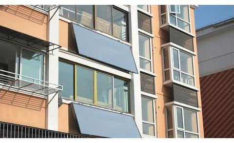 头一次见有钱人家阳台装热水器,用过就知省钱又实用,后悔才发现