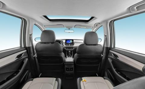 七八万级MPV市场中的一匹黑马——宝骏360 CVT版,家用车的首选