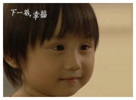 他曾2岁出道,因父母拜金一落千丈,如今皮肤溃烂惹人疼