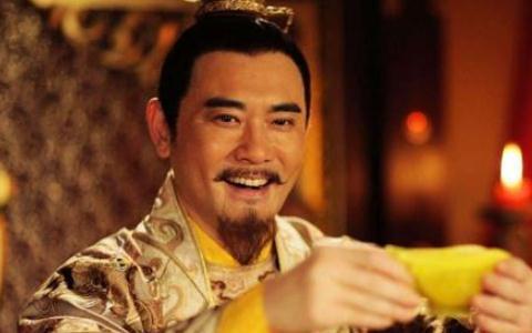 """清朝皇室的""""龙床""""亮相,专家要求上交,收藏者:给我五个亿"""