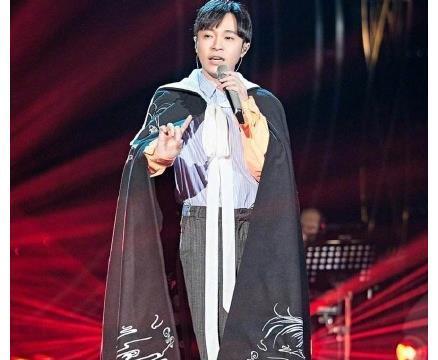 吴青峰为什么不能唱吴青峰的歌?