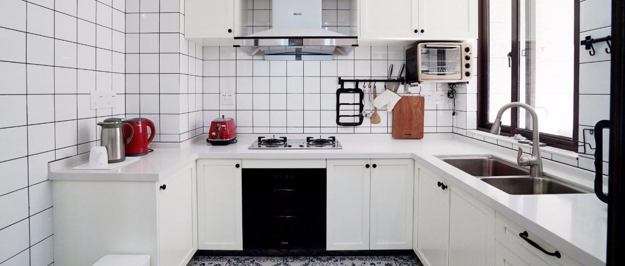 厨房装嵌入式电器,简洁设计,实用大气