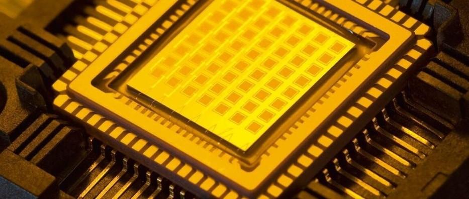 单芯片每秒1000万亿次运算:谷歌TPU原班团队全新AI架构,晶体管性能提升6倍