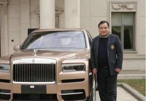 北京隐形富豪喜提新车,办交车宴会邀请各路大腕,中国首富也来了