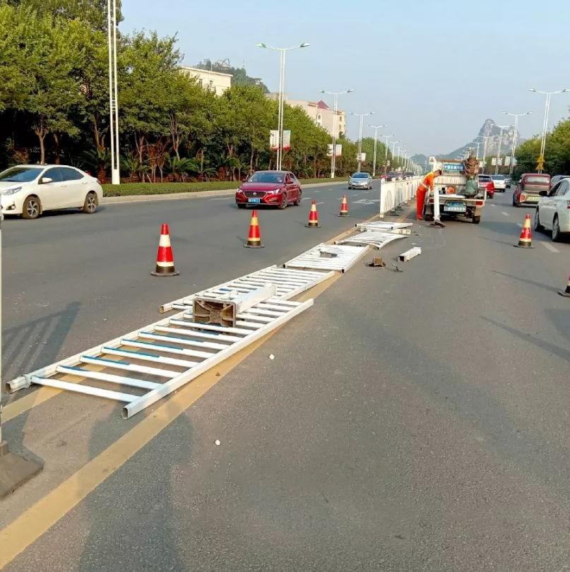 柳州一女子凌晨驾车撞隔离栏 逃逸后被行拘5日