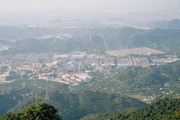 """广东""""最富饶""""的小镇,是百强企业的选址地,经济发展快人一步"""