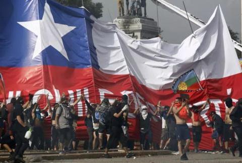 南美洲大震荡:玻利维亚刚乱,智利又暴乱2万多人被拘留
