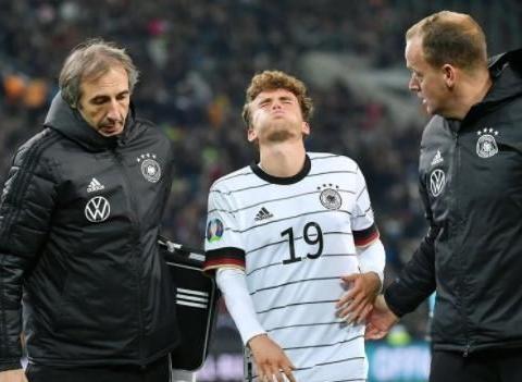 欧预赛现惨烈伤病!德国希望之星面部骨折+脑震荡,全身多处受伤