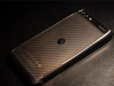 """""""骨灰级""""手机品牌走怀旧风,上下折叠屏问世,5位数价格劝退"""