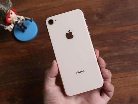 "iPhone 8终于跌成了""荣耀价"",现在还值得入手吗?"