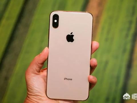 不玩游戏,iPhone XS Max可以用几年?