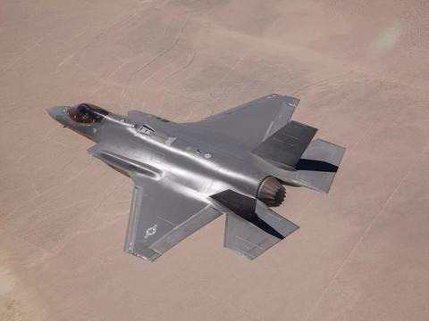"""太尴尬!荷兰""""水门礼""""的后遗症来了,F-35A要停飞三周接受检查"""