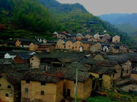 浙江武义县南部大溪口乡的山下鲍村
