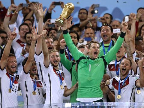 诺伊尔:德国队不是欧洲杯大热门,但目标仍是冠军