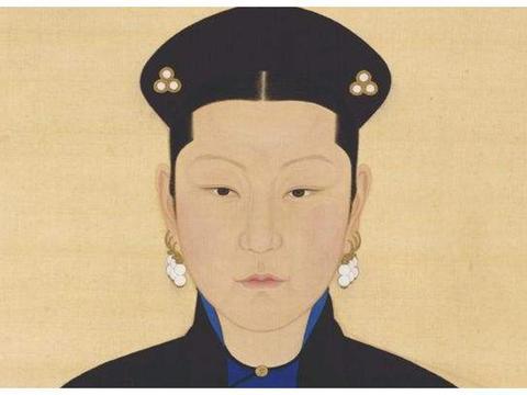 她是康熙的第二任皇后,因为认鳌拜当干爹,没能成为第一任皇后