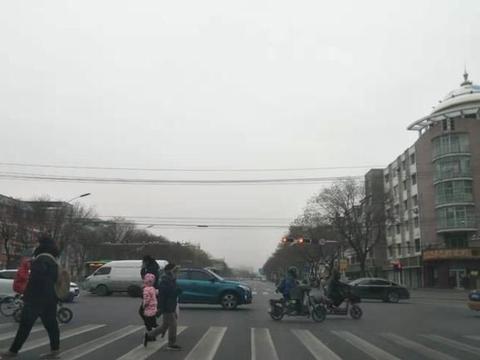 强冷空气今起袭内蒙古 局地大风沙尘降温超10℃