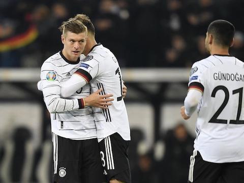 克罗斯2射1传诺伊尔扑点,德国4-0白俄罗斯提前出线