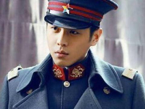 穿上军装很帅的男明星,陈伟霆张若昀上榜,最后一位简直太帅了