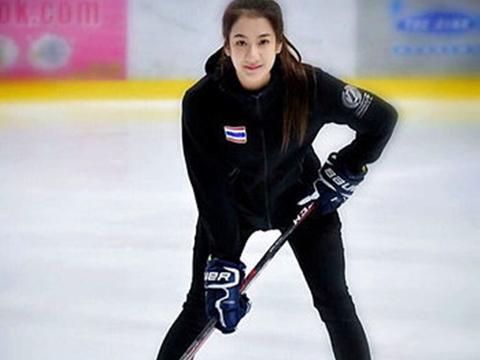 泰国女冰球运动员素颜照走红网络 网友:太好看了