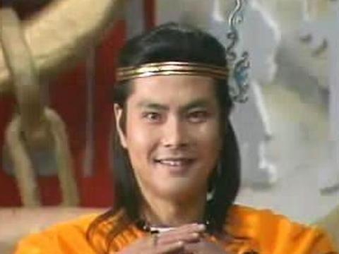 曾是《封神榜》最帅姬发,因与何晴搭戏走红,今51岁还是帅大叔