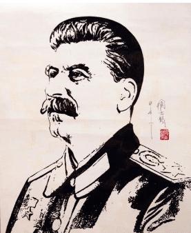 斯大林虽也没指挥过战争,但其军事才能却强于希特勒