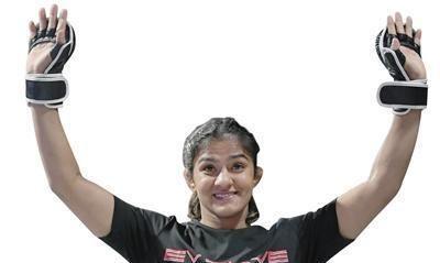 印度知名摔跤运动员,《摔跤吧爸爸》原型人物北京首秀大捷